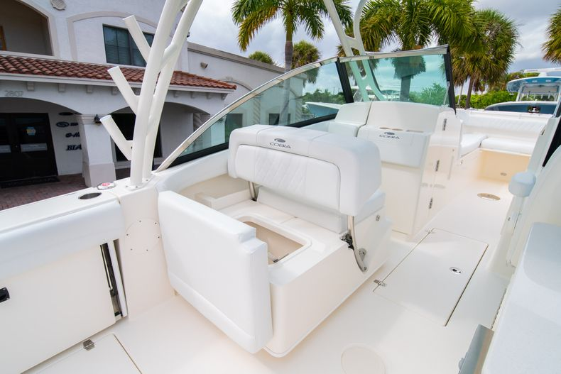 Thumbnail 25 for New 2020 Cobia 280 DC Dual Console boat for sale in West Palm Beach, FL