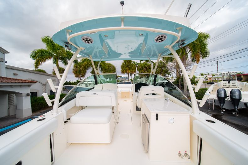 Thumbnail 9 for New 2020 Cobia 280 DC Dual Console boat for sale in West Palm Beach, FL