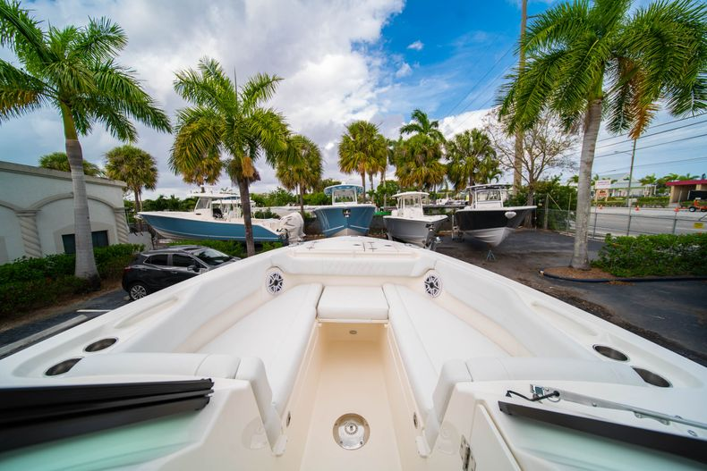 Thumbnail 46 for New 2020 Cobia 280 DC Dual Console boat for sale in West Palm Beach, FL