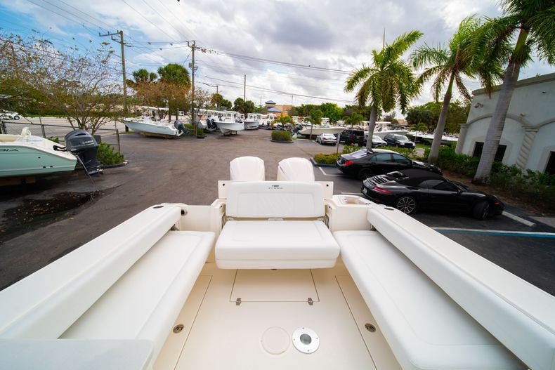 Thumbnail 13 for New 2020 Cobia 280 DC Dual Console boat for sale in West Palm Beach, FL