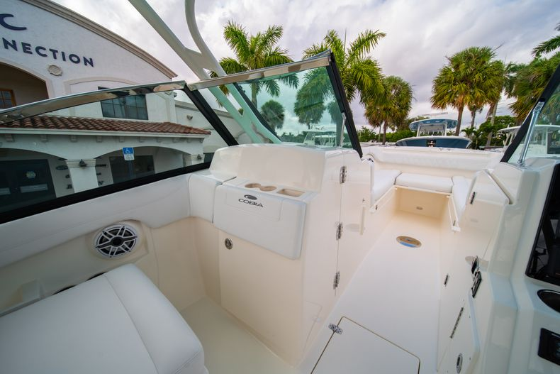 Thumbnail 34 for New 2020 Cobia 280 DC Dual Console boat for sale in West Palm Beach, FL