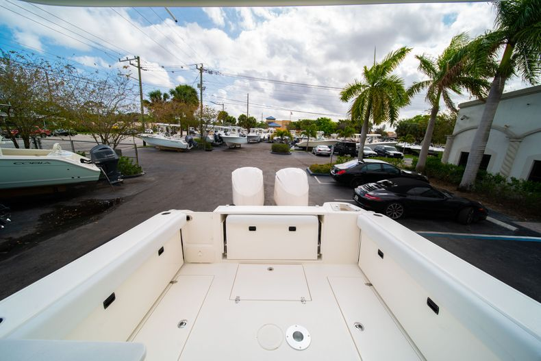 Thumbnail 10 for New 2020 Cobia 280 DC Dual Console boat for sale in West Palm Beach, FL