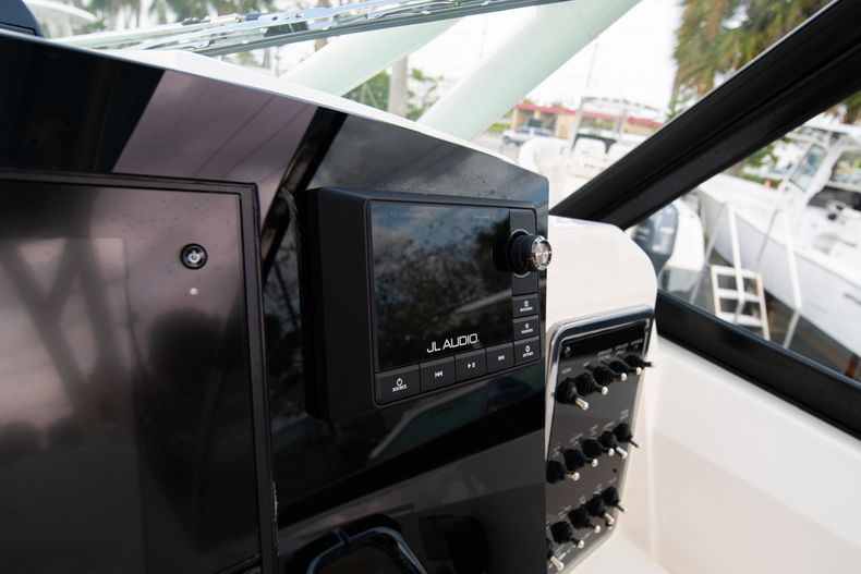 Thumbnail 30 for New 2020 Cobia 280 DC Dual Console boat for sale in West Palm Beach, FL