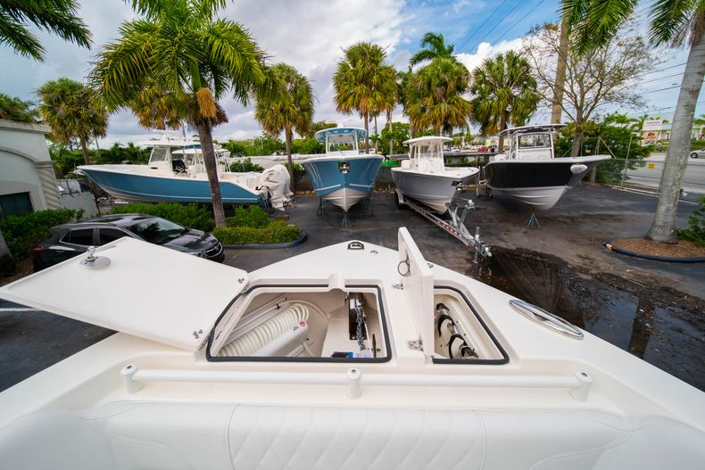 Thumbnail 48 for New 2020 Cobia 280 DC Dual Console boat for sale in West Palm Beach, FL