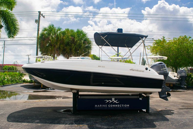 Thumbnail 4 for Used 2017 Hurricane SunDeck Sport SS 188 OB boat for sale in West Palm Beach, FL