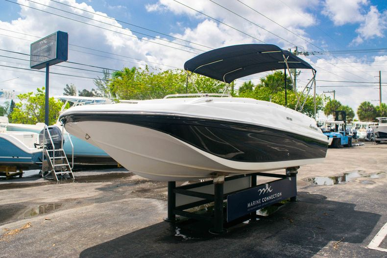 Thumbnail 3 for Used 2017 Hurricane SunDeck Sport SS 188 OB boat for sale in West Palm Beach, FL