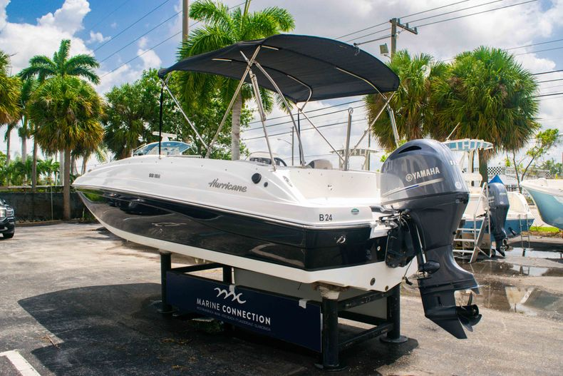 Thumbnail 5 for Used 2017 Hurricane SunDeck Sport SS 188 OB boat for sale in West Palm Beach, FL