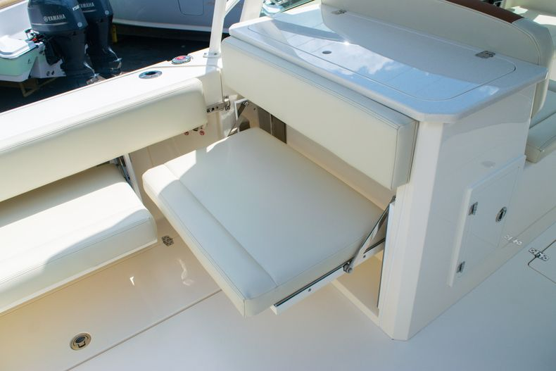 Thumbnail 14 for New 2020 Cobia 330 DC boat for sale in West Palm Beach, FL