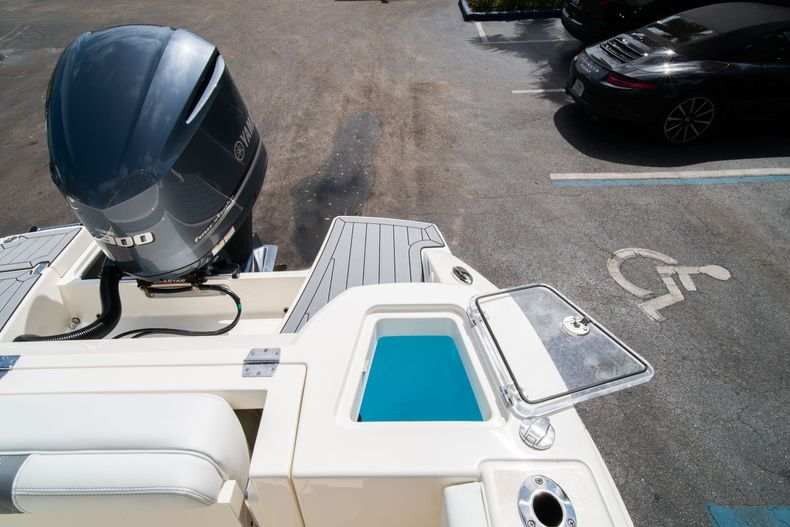 Thumbnail 15 for New 2020 Cobia 240 DC Dual Console boat for sale in Vero Beach, FL