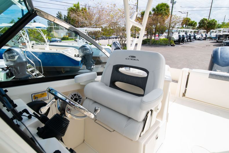Thumbnail 33 for New 2020 Cobia 240 DC Dual Console boat for sale in Vero Beach, FL