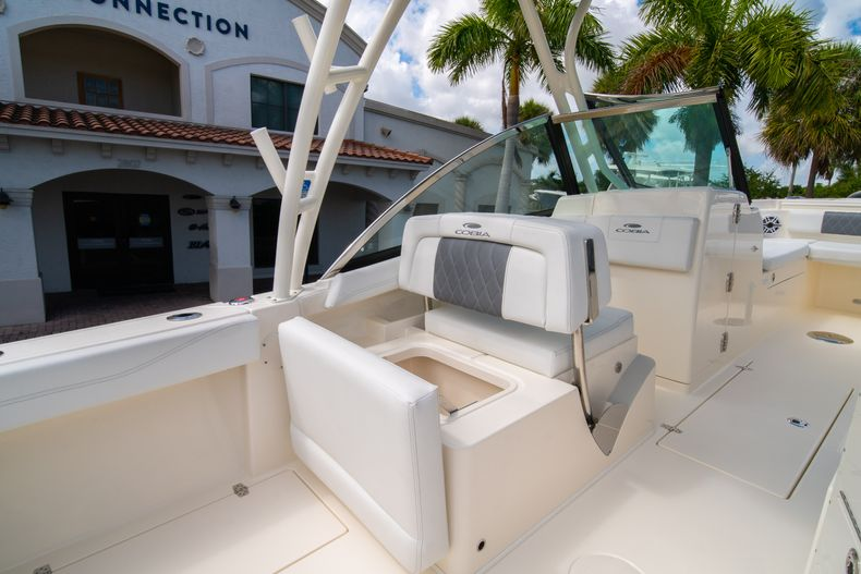 Thumbnail 21 for New 2020 Cobia 240 DC Dual Console boat for sale in Vero Beach, FL