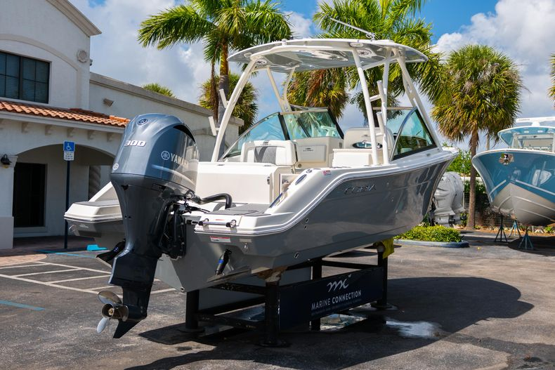 Thumbnail 7 for New 2020 Cobia 240 DC Dual Console boat for sale in Vero Beach, FL