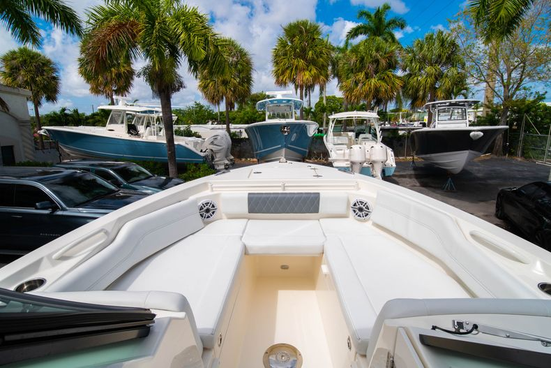 Thumbnail 49 for New 2020 Cobia 240 DC Dual Console boat for sale in Vero Beach, FL