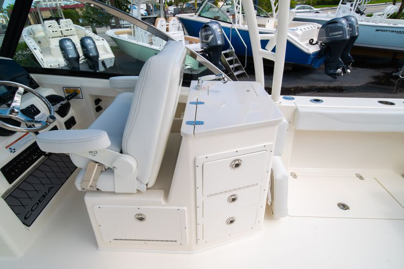 Thumbnail 23 for New 2020 Cobia 240 DC Dual Console boat for sale in Vero Beach, FL