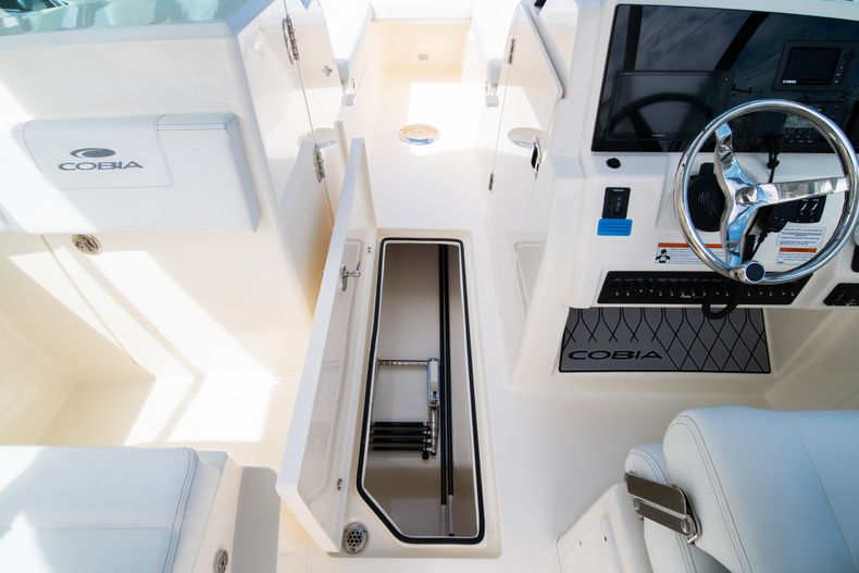 Thumbnail 43 for New 2020 Cobia 240 DC Dual Console boat for sale in Vero Beach, FL