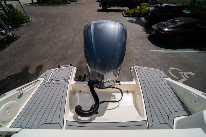 Thumbnail 9 for New 2020 Cobia 240 DC Dual Console boat for sale in Vero Beach, FL