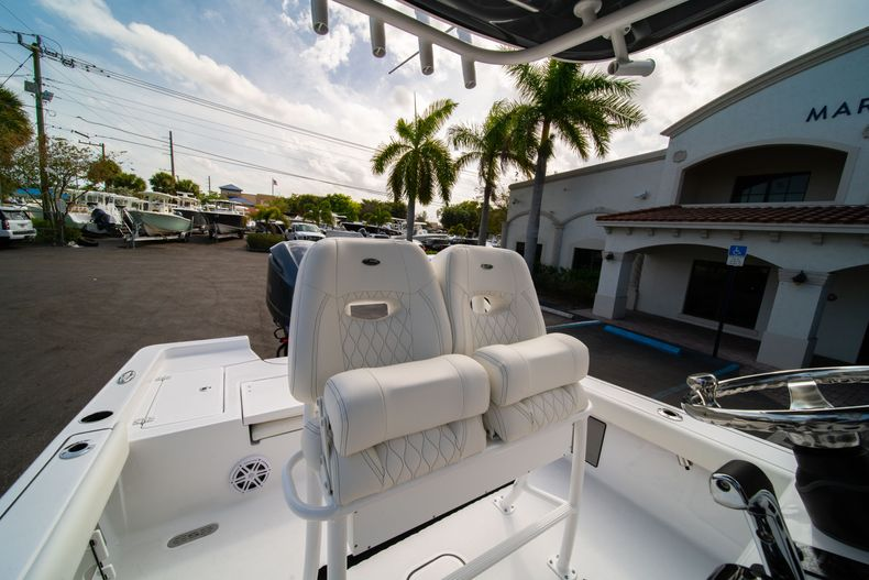Thumbnail 24 for New 2020 Sportsman Masters 247 Bay Boat boat for sale in West Palm Beach, FL