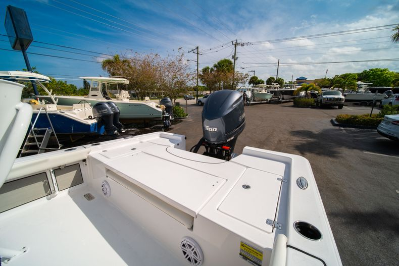 Thumbnail 11 for New 2020 Sportsman Masters 247 Bay Boat boat for sale in West Palm Beach, FL