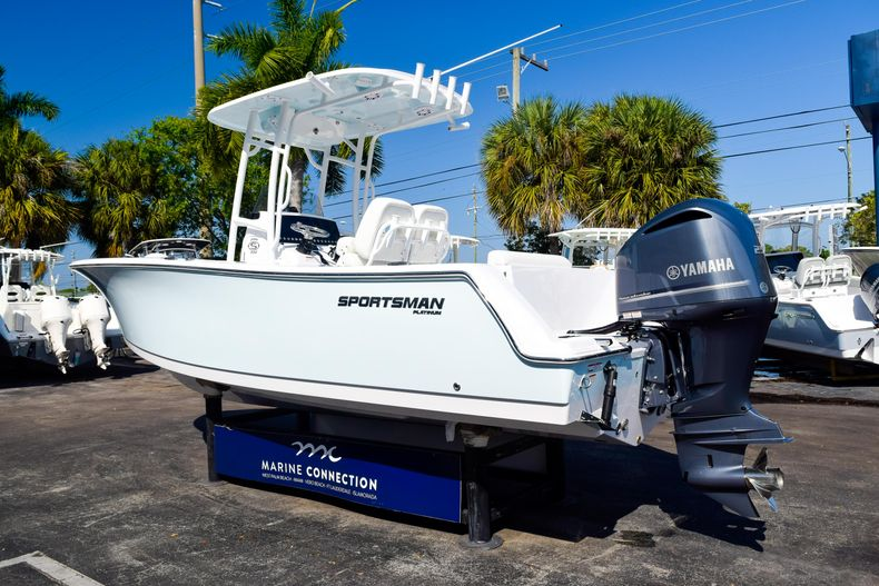 Thumbnail 5 for New 2020 Sportsman Open 232 Center Console boat for sale in Vero Beach, FL