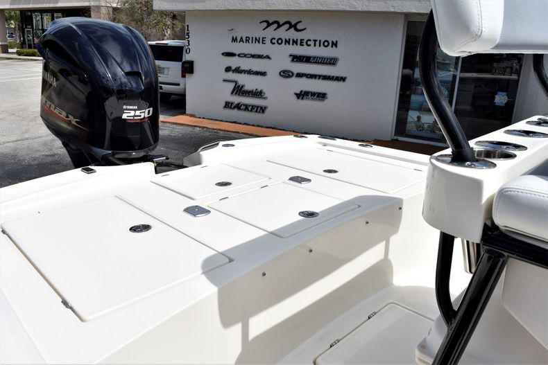 Thumbnail 20 for New 2020 Pathfinder 2300 HPS boat for sale in Fort Lauderdale, FL
