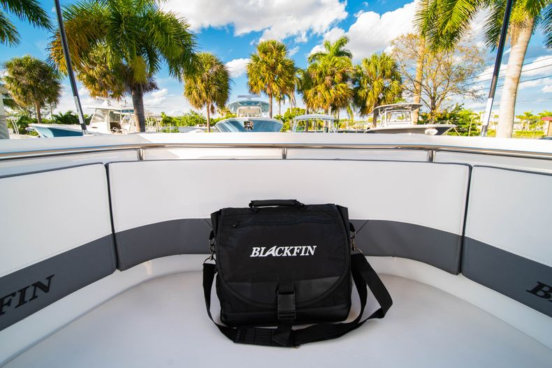 Thumbnail 58 for New 2020 Blackfin 332CC boat for sale in Fort Lauderdale, FL