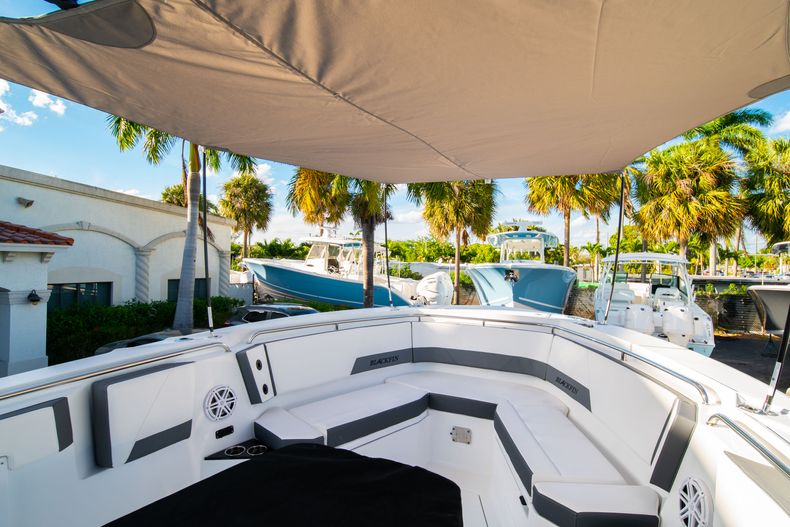 Thumbnail 63 for New 2020 Blackfin 332CC boat for sale in Fort Lauderdale, FL