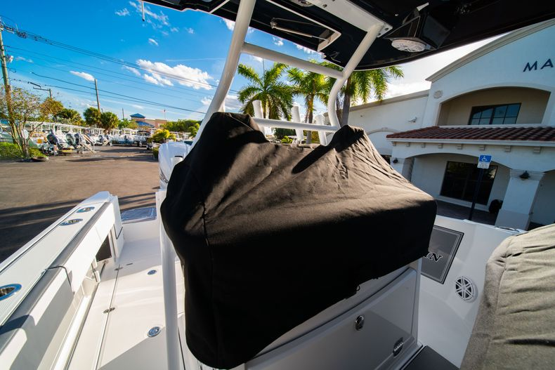 Thumbnail 66 for New 2020 Blackfin 332CC boat for sale in Fort Lauderdale, FL