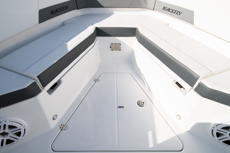 Thumbnail 56 for New 2020 Blackfin 332CC boat for sale in Fort Lauderdale, FL