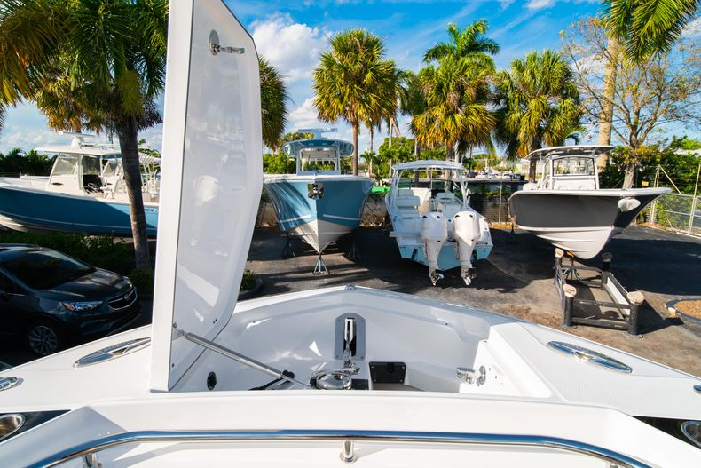 Thumbnail 60 for New 2020 Blackfin 332CC boat for sale in Fort Lauderdale, FL