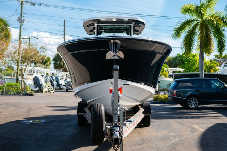 Thumbnail 3 for New 2020 Blackfin 332CC boat for sale in Fort Lauderdale, FL