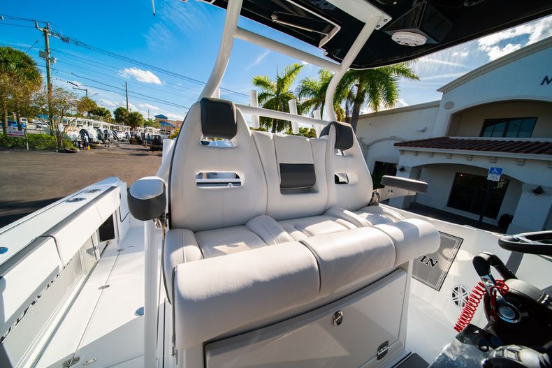 Thumbnail 43 for New 2020 Blackfin 332CC boat for sale in Fort Lauderdale, FL