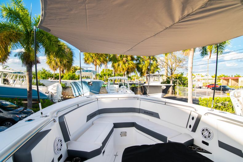 Thumbnail 64 for New 2020 Blackfin 332CC boat for sale in Fort Lauderdale, FL