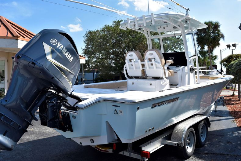 Thumbnail 7 for Used 2019 Sportsman Masters 267 Bay Boat boat for sale in Vero Beach, FL