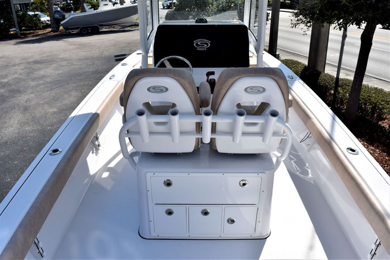Thumbnail 12 for Used 2019 Sportsman Masters 267 Bay Boat boat for sale in Vero Beach, FL