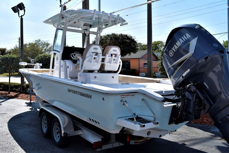 Thumbnail 5 for Used 2019 Sportsman Masters 267 Bay Boat boat for sale in Vero Beach, FL