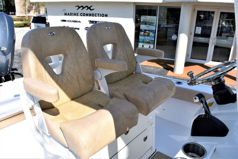 Thumbnail 32 for Used 2019 Sportsman Masters 267 Bay Boat boat for sale in Vero Beach, FL