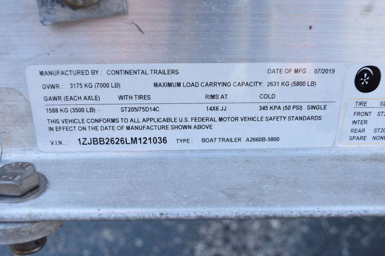 Thumbnail 39 for Used 2019 Sportsman Masters 267 Bay Boat boat for sale in Vero Beach, FL
