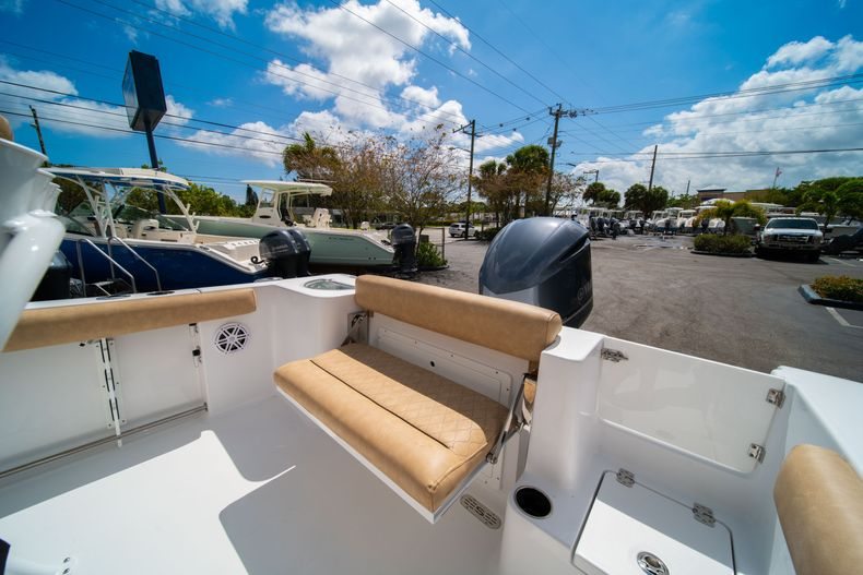 Thumbnail 14 for New 2020 Sportsman Open 232 Center Console boat for sale in Miami, FL
