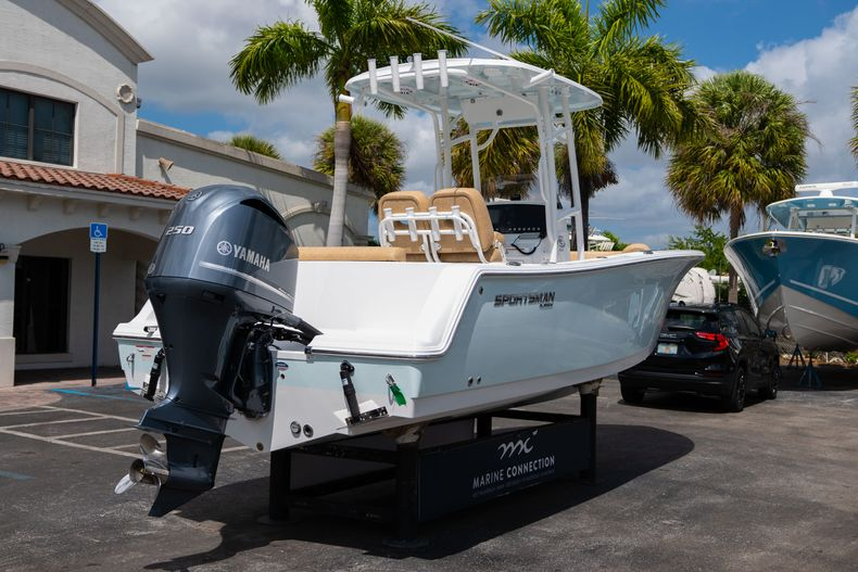 Thumbnail 7 for New 2020 Sportsman Open 232 Center Console boat for sale in Miami, FL