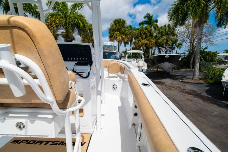 Thumbnail 17 for New 2020 Sportsman Open 232 Center Console boat for sale in Miami, FL