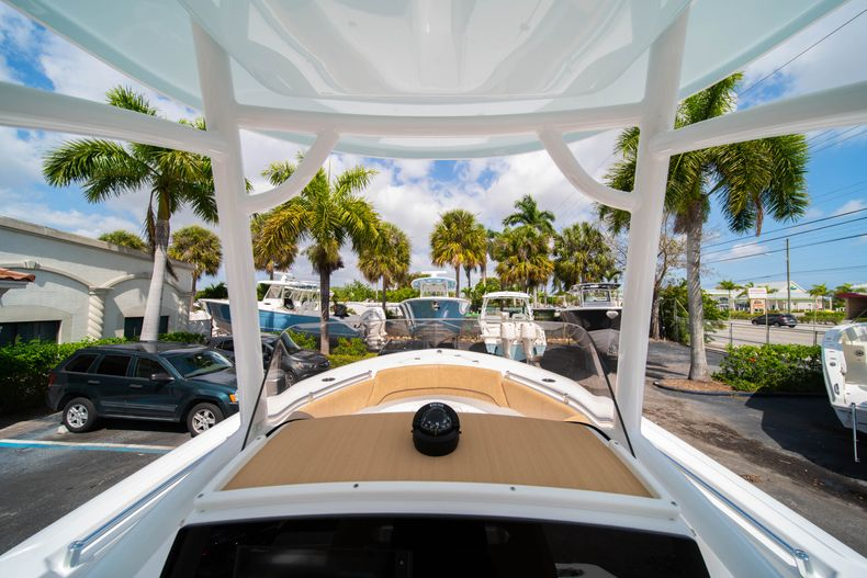 Thumbnail 26 for New 2020 Sportsman Open 232 Center Console boat for sale in Miami, FL