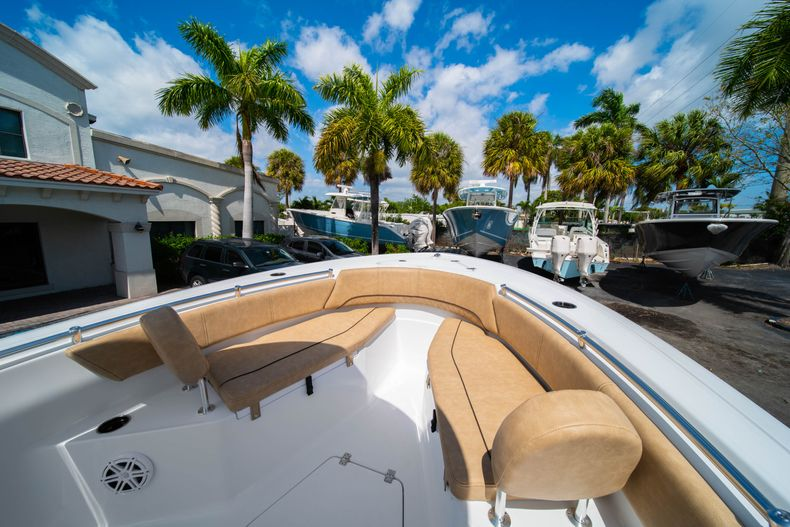 Thumbnail 33 for New 2020 Sportsman Open 232 Center Console boat for sale in Miami, FL