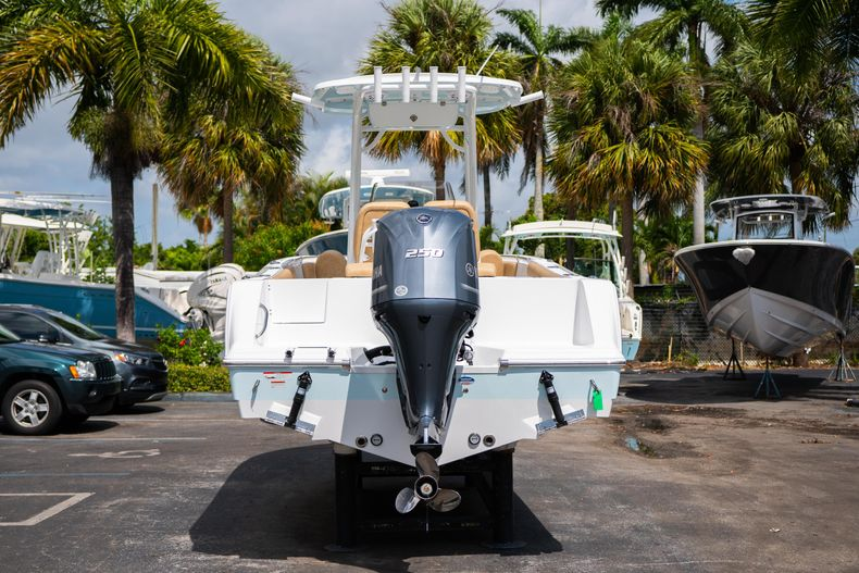 Thumbnail 6 for New 2020 Sportsman Open 232 Center Console boat for sale in Miami, FL
