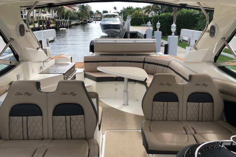 Thumbnail 24 for Used 2018 Sea Ray SLX 350 Outboard boat for sale in West Palm Beach, FL