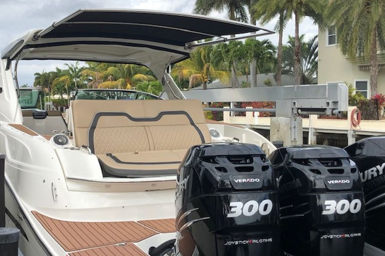 Thumbnail 4 for Used 2018 Sea Ray SLX 350 Outboard boat for sale in West Palm Beach, FL