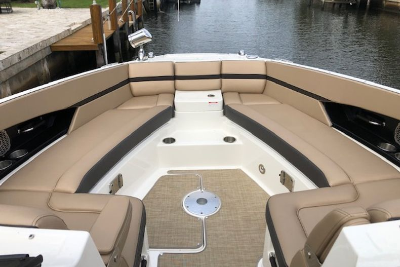 Thumbnail 14 for Used 2018 Sea Ray SLX 350 Outboard boat for sale in West Palm Beach, FL