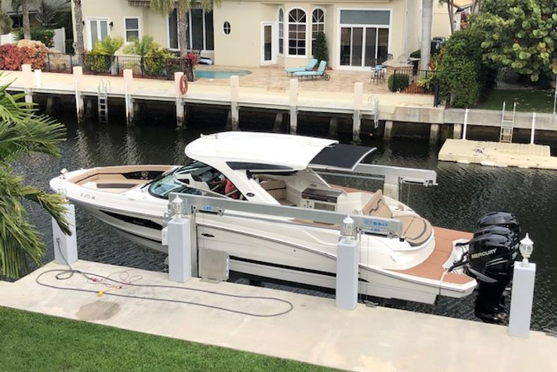 Thumbnail 20 for Used 2018 Sea Ray SLX 350 Outboard boat for sale in West Palm Beach, FL