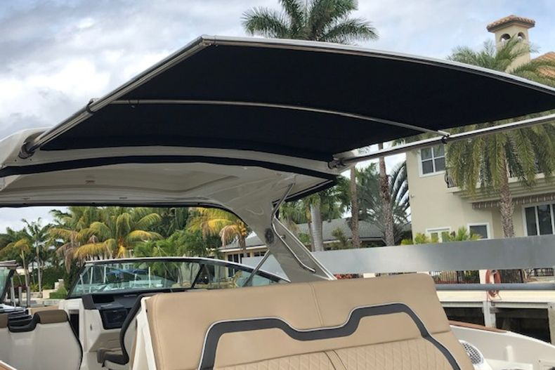 Thumbnail 5 for Used 2018 Sea Ray SLX 350 Outboard boat for sale in West Palm Beach, FL