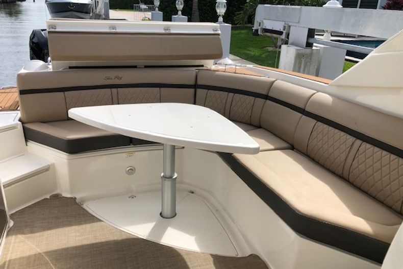 Thumbnail 27 for Used 2018 Sea Ray SLX 350 Outboard boat for sale in West Palm Beach, FL