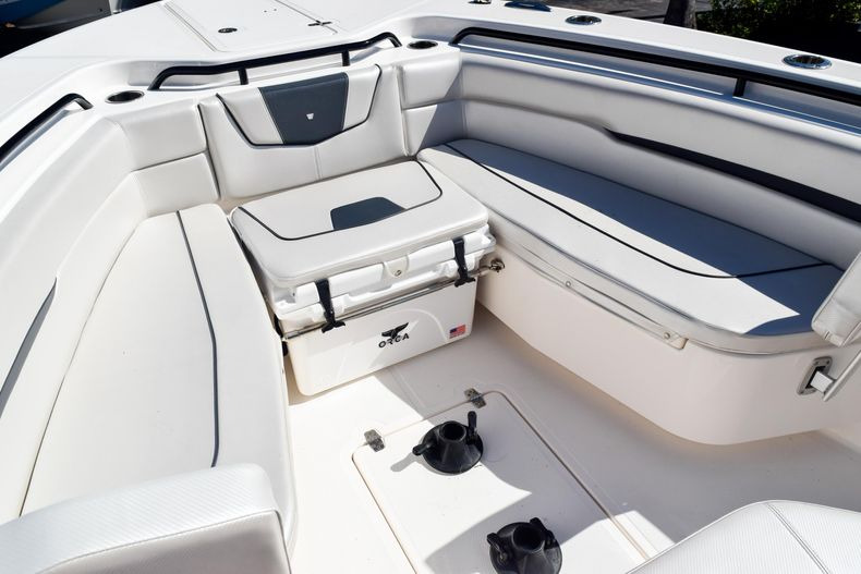 Thumbnail 91 for Used 2018 Wellcraft Scarab 302 Center Console boat for sale in West Palm Beach, FL